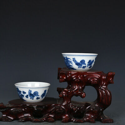 A pair Chinese old Porcelain Ming chenghua mark blue white painting chicken cup