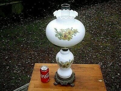 Vintage Pretty Floral 3-Way Hurricane Type Table Lamp*