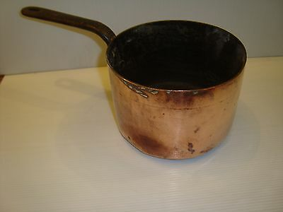 Victorian Heavy Copper Saucepan Stamped A & N Csl Witin An Oval Great Condition.