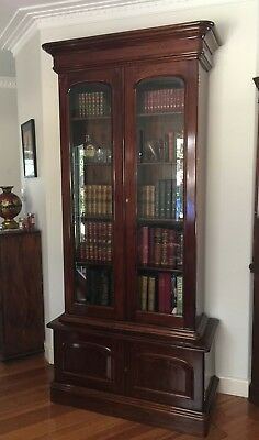 Antique Victorian Mahogany Bookcase / Display Cabinet!