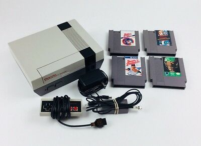 Nintendo Entertainment System NES-001 Console Bundle Controller and Games Tested