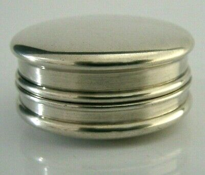 NICE QUALITY ENGLISH ANTIQUE SOLID SILVER SNUFF or PILL BOX 1917 ANTIQUE