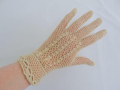 Vintage 1930s Ladies Gloves - Cream Crochet Lace - Day Afternoon Tea - Pair