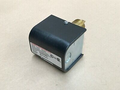 Mcdonnell And Miller General Purpose Liquid Flow Switch Series Fs4-3J