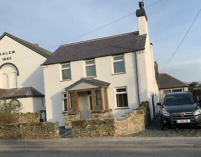 HOLIDAY COTTAGE Available Near pwhelli, Wales. 3 Double Bedrooms