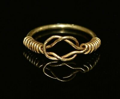 Ancient Roman 20kt+ Gold Herakles Knot Ring With Spiral Design