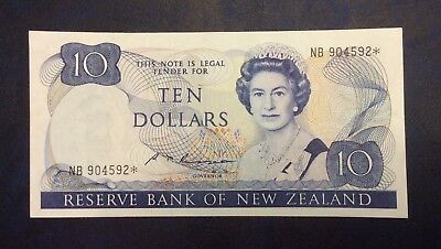 Rare New Zealand Replacement Star $10 Russell Banknote - NB 904592* Very Fine.