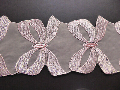 Swiss Organza Embroidered Lace Pretty Bows Vintage 80mms. x 1 Metre.