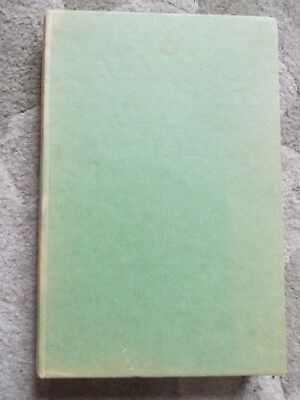 """RARE """"A FARM DICTIONARY"""" COMPILED BY DEREK H. CHAPMAN. 1st EDITION 1953 H/B BOOK"""