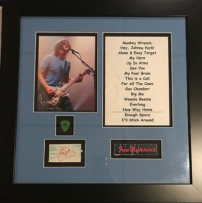 Dave Grohl Signed Foo Fighters Autographed Photo Display Ticket Setlist Nirvana