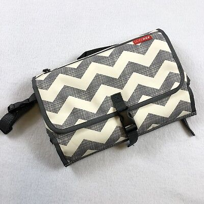 Skip Hop PRONTO CHANGING STATION CHEVRON Baby Travel Changing Mat