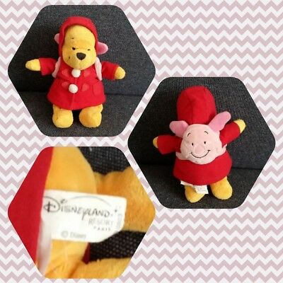 Peluche Doudou Disney Paris Winnie Manteau rouge sac aà dos porcinet TBE 22cm