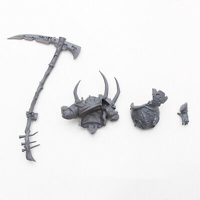 Maggotkin of Nurgle Pusgoyle Blightlords Blightlord Torso and Weapon B - G1936