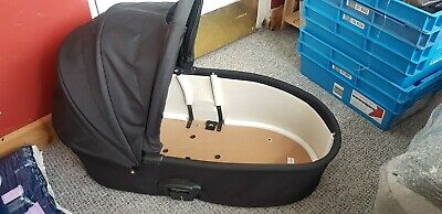 BabyStyle Oyster Carrycot Smooth Black