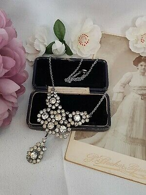 Lovely Vintage Art Deco White Crystal Diamante Levalier Type Necklace