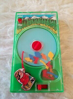Vintage Tomy Pocketeers Hand held game Fishing 1976- vgc