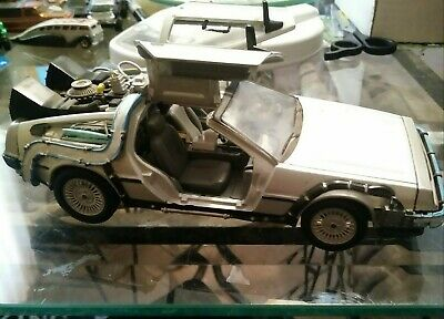 Back To The Future One! 1:24 Scale Custom Dolorean Time Machine by Welly #22443