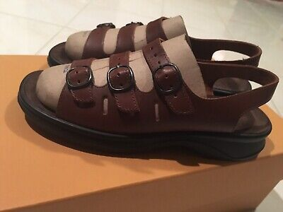 06fe29077fe Womens 8 M Clarks Springers Brown Leather Three Strap Sandals Slingback  Comfort