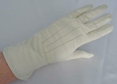 Vintage Leather Gloves Ladies 1960s Cream Wrist Length Size 6.5