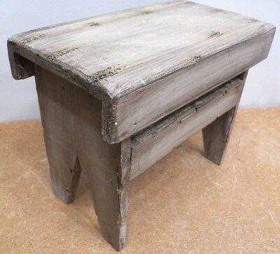CHILD'S  STEP STOOL FOOT Rustic Painted PINE WOOD WOODEN STAND PLANT STAND Doll