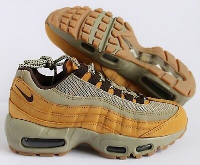 WOMENS NIKE WMNS Air Max 90 Winter Trainers 880302 700 Beige