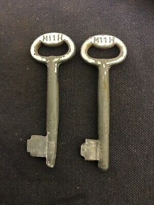 Vintage Antique Key Skeleton Safe Lock Barrel Door Trunk Padlock Pair M11H