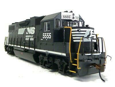 HO Scale Model Railroad Trains Layout Engine Norfolk Southern GP-38 DCC & Sound