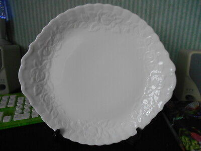 Royal Albert bone china bread and butter / cake plate Old Country Roses embossed
