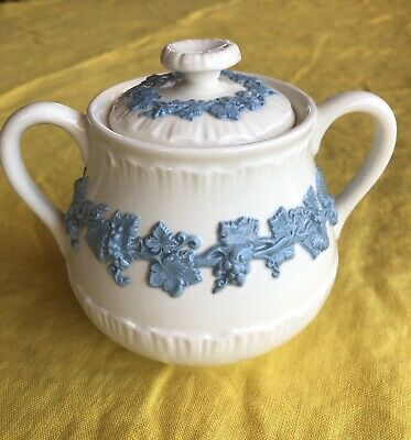 Wedgwood Queensware Sugar Bowl Lavender on Cream Dish Shell Edge