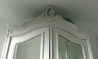 Armoire style LOUIS XV ROCAILLE relookée