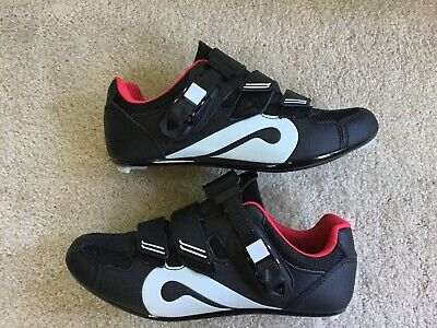 37c0d8697 Peloton Cycling Shoes - Size 39 (Women s Size 8) Great Condition. Inc Cleats