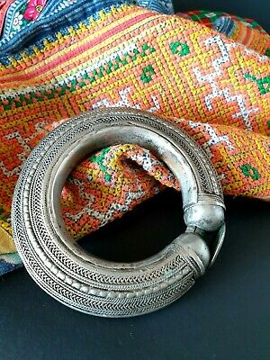 Old Yemeni Ornate Hand Made Silver Bangle (a) …beautiful collection & accent pie