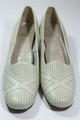 6508cc252 Vintage Montgomery Ward Womens Heels Shoes Pumps Size 9B