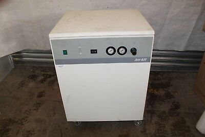 Jun Air 2000-40M Oil Less Piston Compressor, Lab, Dental, 40 Litre