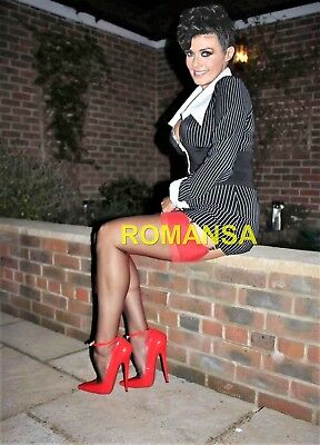 Kym Marsh 10 X 8 Photograph + Free 6 X 4 Pocket Book Size Photograph  R4423