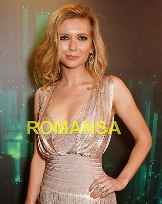 Rachel Riley 10 X 8 Photograph + Free 6 X 4 Pocket Book Size Photograph R2887