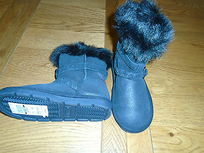 BNWT girls black ankle boots from M&S with faux fur lining. RRP £24. Sz 11