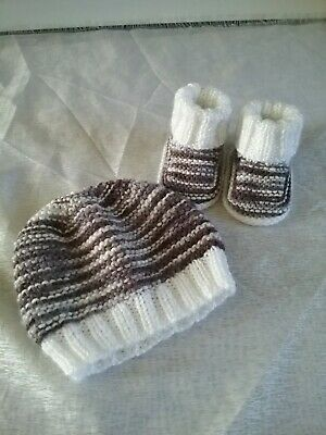 Cute Hand Knitted Baby Beanie And Bootie Set 0-3 Months New