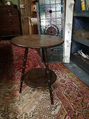 Late Victorian fruit wood carved bobbin turned leg Cricket table