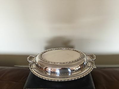 Beautiful Silver Plated 2 Handled Lidded Oval Shaped Entree Dish (Sped 570)