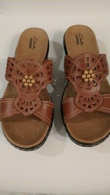 1b05f381e2fd Clarks Women s Leather Slide On Brown Sandals Size 8M New Summer Open Toe  Shoes