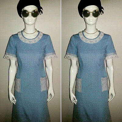Vintage 1960's Short Sleeved Blue/White/Lace Day Dress. Size 12.