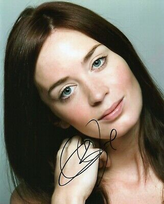 Autographed Emily Blunt signed 8 x 10 photo Hot