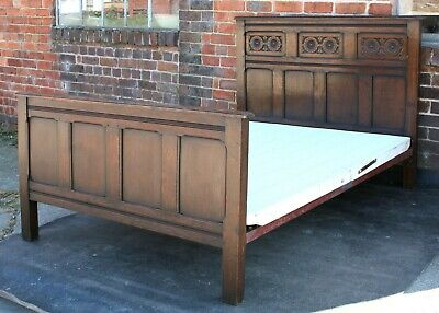 Handsome oak 1930s Jacobean carved standard double bed