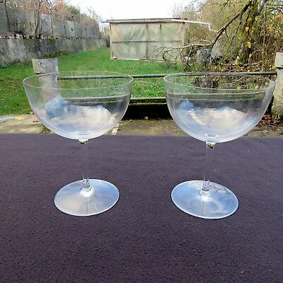 2 Glasses Tasting the Wine Burgundy Crystal Baccarat Model Perfection