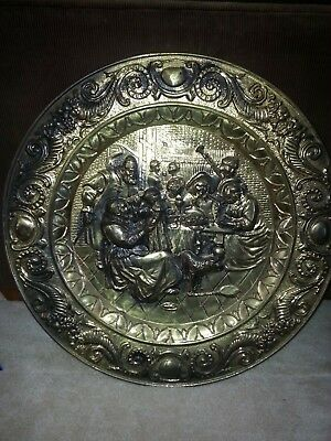 Vintage Old Renaissance Scene Round Brass Embossed Wall Hanging
