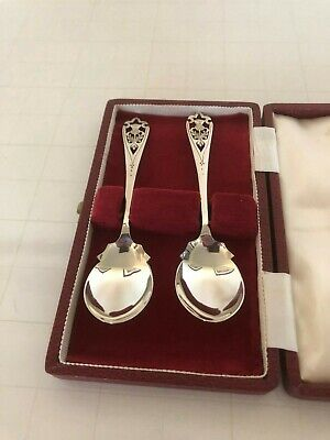 Lovely Cased Pair Of Solid Silver Preserve Spoons Thistle Decoration(Edin1961/2)