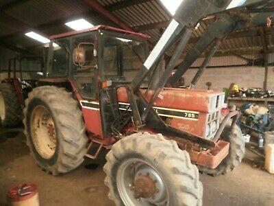 International 785 With Quickie Loader