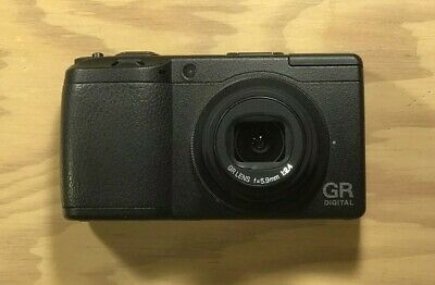 Ricoh GR Digital II (GRDII) Camera In Great condition! Charger + Batteries