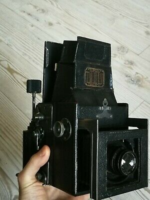 Graflex Auto Junior with Baush and Lomb Tessar lens and roll film back